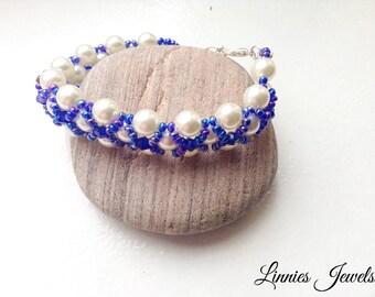 Beaded pearl bracelet, pearl bracelet, white bracelet, beads bracelet