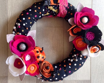 Modern Halloween Wreath, Halloween Wreath, Spider Wreath, Polka Dot Wreath, Fabric Wreath, Felt Flower Wreath, Halloween Girl, Felt Flowers