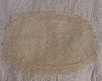 Lace Place Mats, set of 4