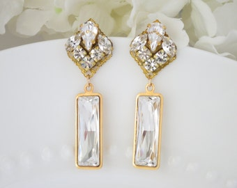 Swarovski crystal and gold baguette earring, Crystal wedding earring, Modern bridal earring