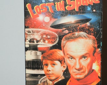 Lost in Space Black and White Episode Island in the Sky Guy Williams June Lockhart Billy Mumy Dr. Smith