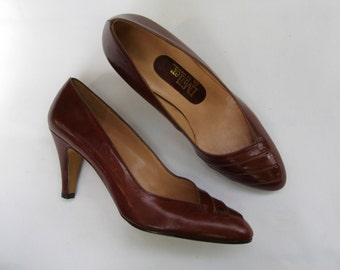 Vintage 70s I. Miller brown pumps, 70s does 50s pumps, new old stock pumps, brown leather pumps, made in Spain pumps