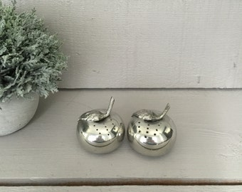 Pewter Apple Salt and Pepper Shakers - Adorable