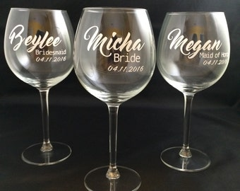 Bridesmaid Wine Glasses, Wedding Party Wine Glasses, Personalized Bridal Party Wine Glasses, Bridesmaid Gift