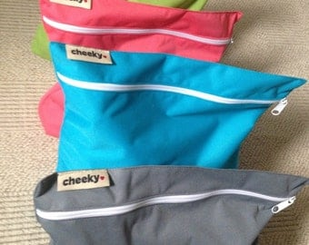 Wet bag with zipper. Solid colors