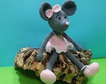Little mouse dancer