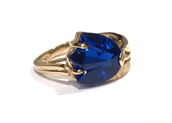 tulip flower blue gemstone ring 10k yellow gold september. Black Bedroom Furniture Sets. Home Design Ideas