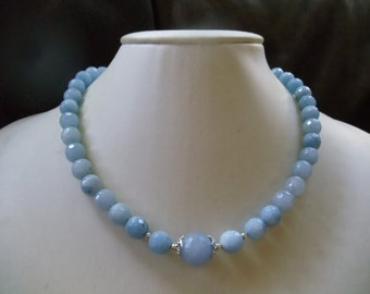 Eisblaues aquamarine necklace