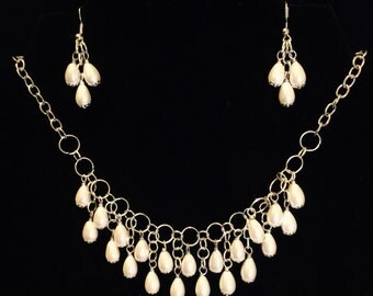 Pearl necklace and earring combo