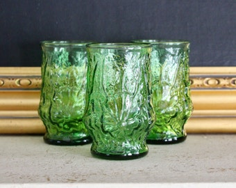 Vintage Green Drinking Glasses, Vintage Juice Glasses, Green Juice Glasses, Vintage Anchor Hocking, Rain Flower, Vintage Green Glass