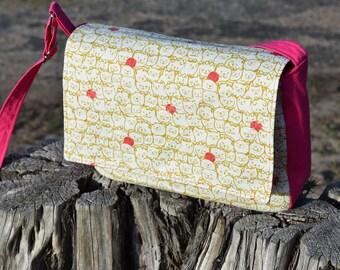 Stack O' Cats Print Messenger Handbag