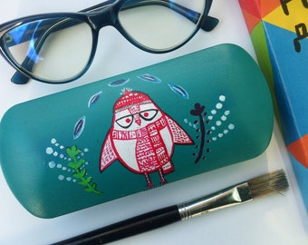 Cute penguin - Winter mood - Glasses case - Sunglass case - Hand-painted glasses case - hard sunglass case - penguin wearing a hat
