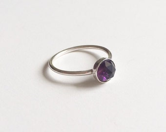 AMETHYST RING - Sterling Silver Purple Ring - Solitaire Faceted 6mm Gemstone Skinny Ring - February Birthstone