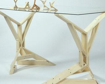 The Vitruvian Horse, Table Set