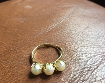 Vintage 12k Gold Filled and Real Pearl Ring - Beautiful and Feminine!