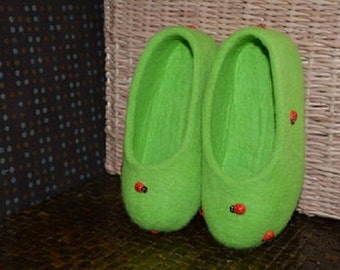 Felted women slippers, Home shoes, Women house shoes