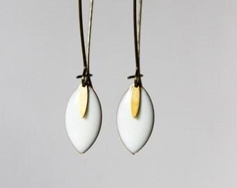 Earrings white enameled Sequins