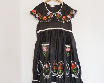 Folklore style dress, black with embroidery, vintage, boho