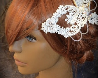 Structural lace fascinator