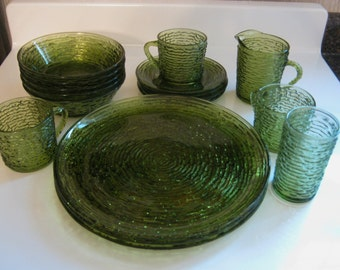 Vintage Soreno Green Avocado Set of 17 Pieces