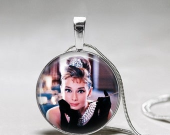 Audrey Hepburn Pendant Necklace - Breakfast at Tiffany's Pendant - Audrey Hepburn color photo w/ pearls -Gift for Breakfast at Tiffanys Fan