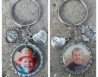 Fire Fighter Keyring - Bottle Cap Keychain - Fireman Gift - Mothers Day Gift - Birthday Gift - Gift for him - Fathers Day Gift