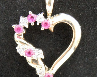 Estate 10K Solid Yellow Gold Genuine Diamonds & Rubies Heart Pendant 1.5 Grams