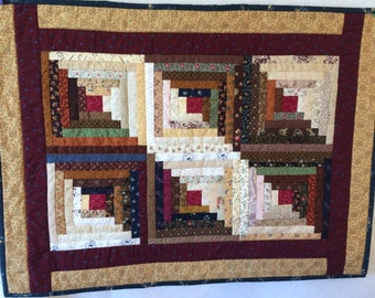 Log Cabin Table Topper or Candle Mat, reproduction cotton fabrics
