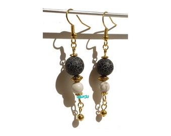 Earrings with frosted agate and howlite pearls