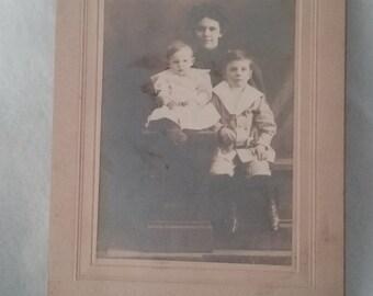 Vintage photo mother and children Civil War era 1800 s 1900