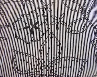 black & noir Fabric 100% cotton  Flowers  Printed