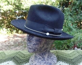 Capas Design UNTOUCHABLE hat cap -- 100% wool --