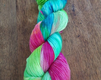 Hand dyed BFL/Nylon high twist sock in 'Chakra'