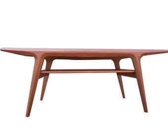 Beautiful Modern Teak Coffee Table