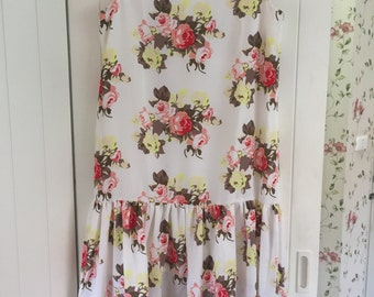 English roses dress with ruffles