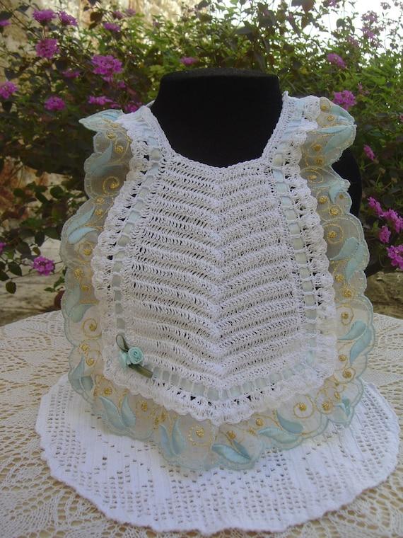 Bavaglino per bebè all'uncinetto bianco merletto di MariaSarra