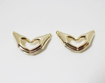 P0250/Anti-Tarnished Gold Plating Over Brass/Hands Heart Pendant Connector/22x13mm/2pcs