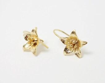 E0005/Anti-tarnished Matt Gold Plating Over Brass/Lily Earring Hook/16.6x16mm/2pcs