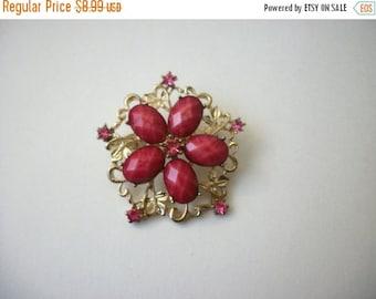 ON SALE Vintage Gold Pink Rhinestones Floral Burst Pin 81116