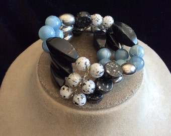 Vintage Chunky Blue Silver White Black Beaded Bracelet