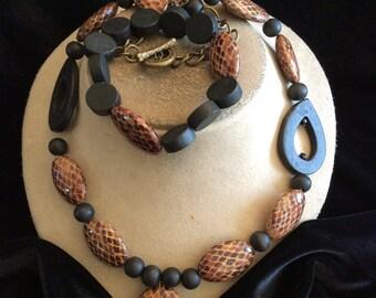 Vintage Chunky Brown & Black Beaded Matching Necklace Bracelet Set
