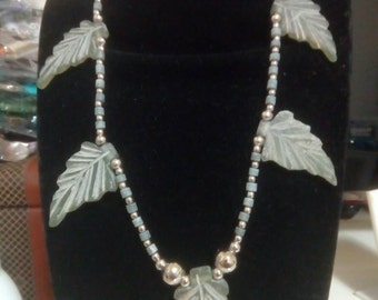 Particular leaf shaped stone necklace
