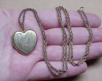 Vintage 1950's heart shaped picture locket etched mono janet necklace #135