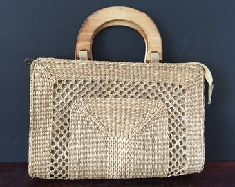 Vintage Straw Handbag--Straw Handbag with Wooden Handles--Vintage Straw Purse