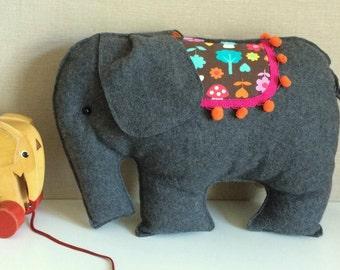 Jumbo#, the Elefant#, elephant pillow for kids or as a Kuscheltier#, Filztier