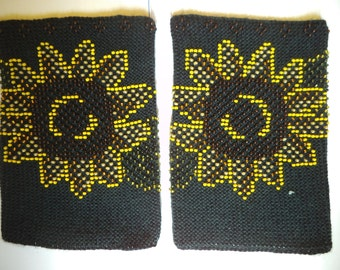 Pulse warmers, Knitted wrist warmers, Beaded wrist warmers, short wrist warmers, hand warmers, luxury wrist warmers, with sunflower