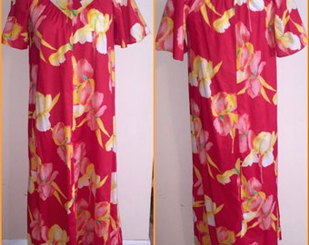 Vintage Summer Palace Made in Hawaii Red Floral Print Hawaiian Flutter Sleeve Muu Muu Dress Sz M / L
