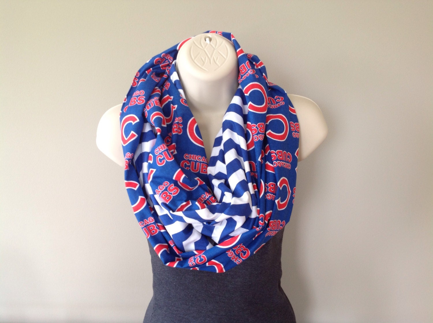 Go Chicago Cubs Infinity Scarf For Cubs Fans Women S