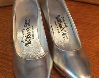 Wilson's Silver Dance Shoes sz 6 1/2 M Pumps