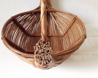 Large vintage basket with handle, foragers basket or fruit bowl